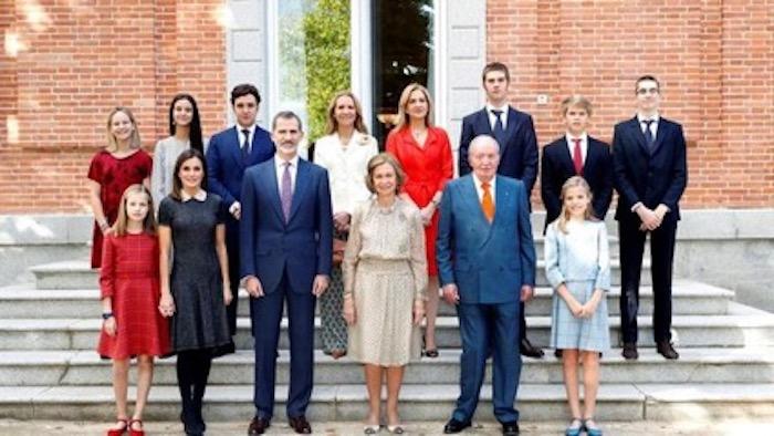 La familia real española en pleno