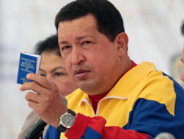 Medina Chavez con constitucion