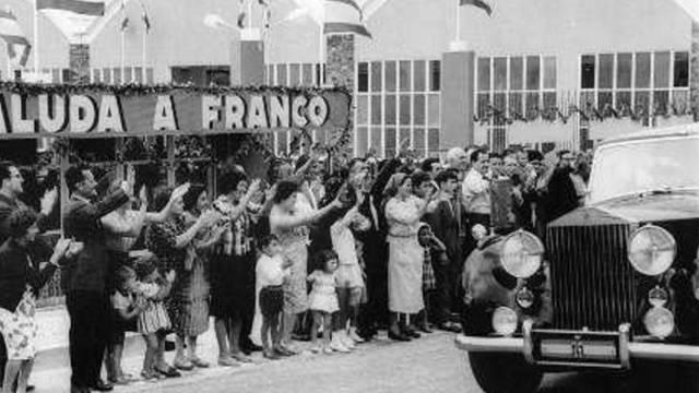 Los trabajadores de Pontesa reciben a Franco.